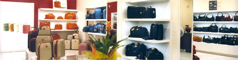 Arredamento per negozi di pelletteria studio perugia for Negozi arredamento bologna