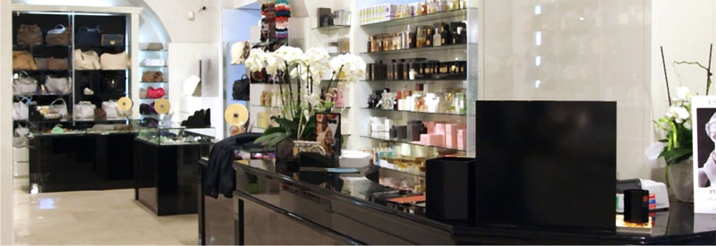 Arredamenti per negozi di profumeria studio perugia for Negozi mobili perugia arredamento